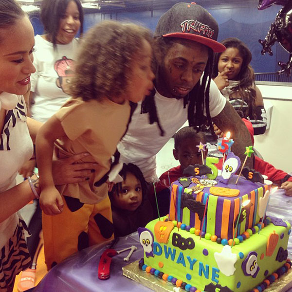 Lil-Wayne-throws-son-a-Flinstone-party-2