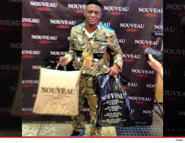 0306-lil-boosie-shopping-4