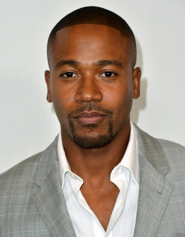 080312-celebs-tweet-sheet-columbus-short