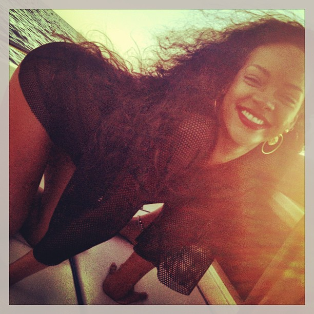 Rihanna Instagram Related Keywords & Suggestions - Rihanna Instagram ...