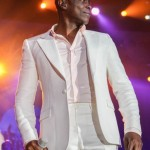 KEM Performs Live At The All White Party For 2014 Neighborhood Awards !