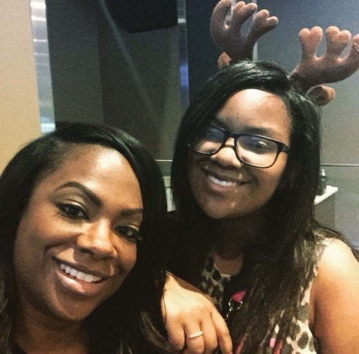photos-holiday-bowling-night-kandi-todd-kirk-rasheeda-keshia-knight-pulliam-big-tigger-more3212