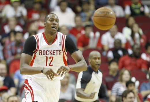 hi-res-183195781-dwight-howard-of-the-houston-rockets-passes-the-ball_crop_650x440