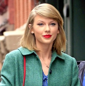 taylor-swift-earrings-ace22232-50bf-4eda-adf7-aefae051c586