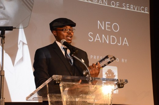 neo-sandja-accepting-award