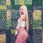 "Iggy Azalea Goes Full Nude In New Pics: ""HATERS CAN'T STAND ME BUT THEY LOVE ME AT THE BANK"""
