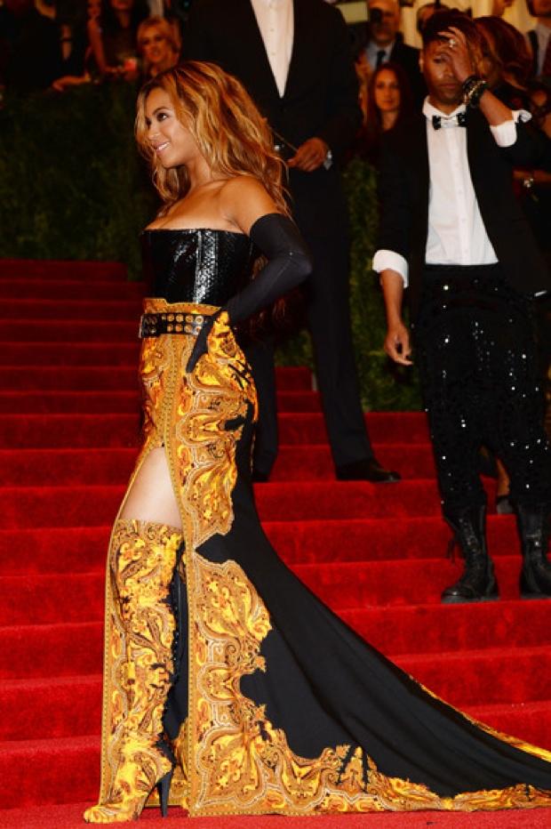 Beyoncemet-gala-2013-red-carpet-photos1