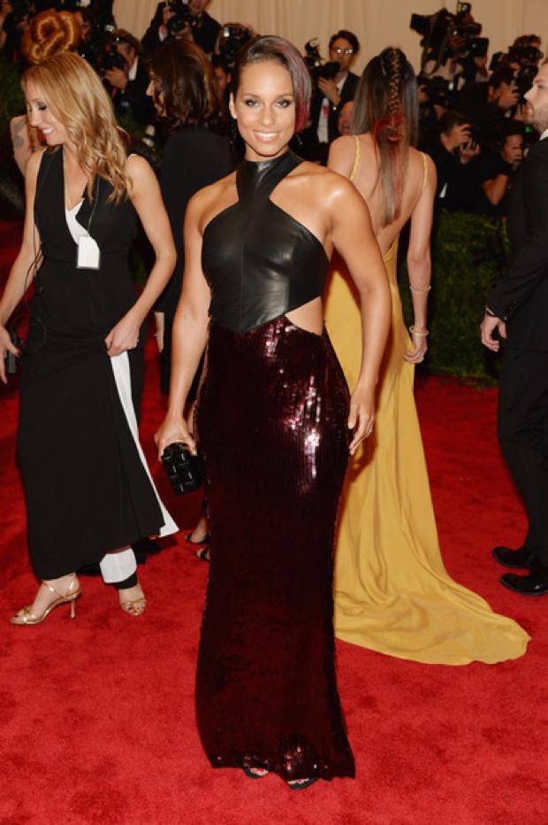 Beyoncemet-gala-2013-red-carpet-photos2244