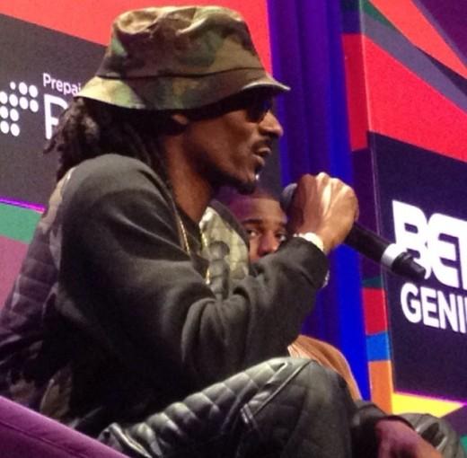 Rapper Snoop Dogg sharing wisdom during the #BETGeniusTalks hosted by #RushCard
