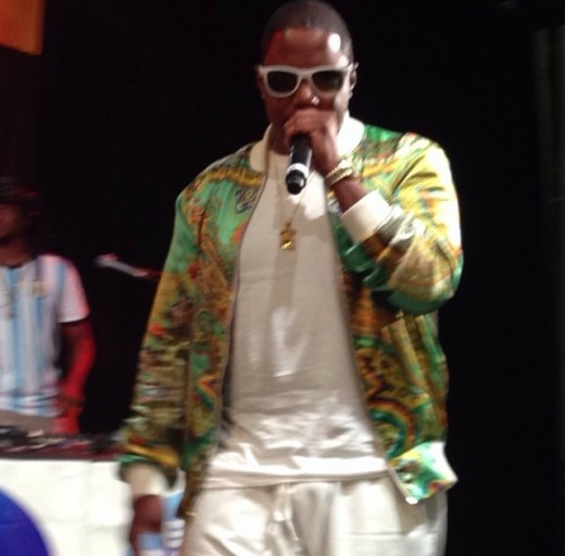 Mase rocking the BET MAIN STAGE!