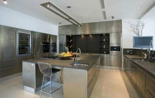 lil_wayne_kitchen-home